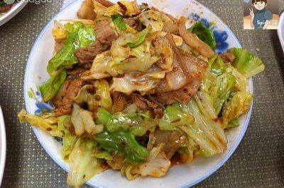 超级下饭的圆白菜炒肉