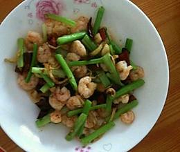 炝虾仁芹菜的做法