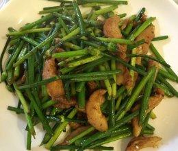 韭菜花炒猪颈肉的做法