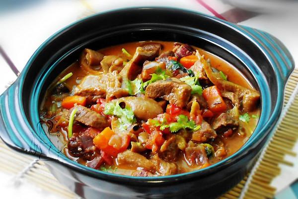 菌菇炖牛肉--利仁电火锅试用菜谱的做法