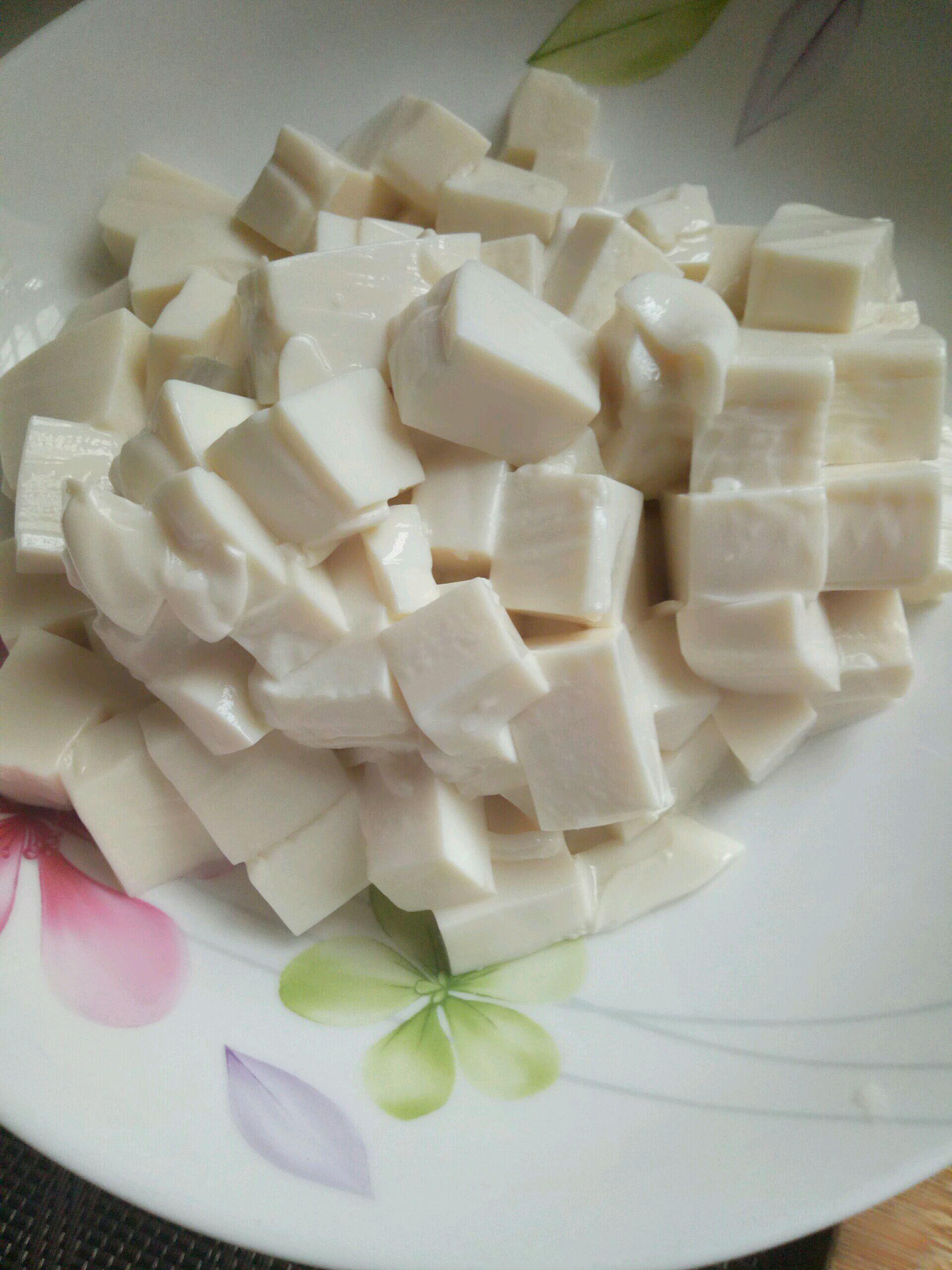 干豆腐怎么切�yoh_切好的豆腐备用.