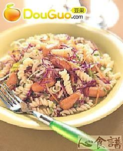 蔬菜香肠面的做法