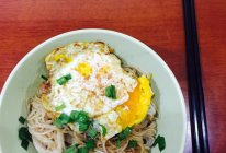 鸡蛋拌面的做法