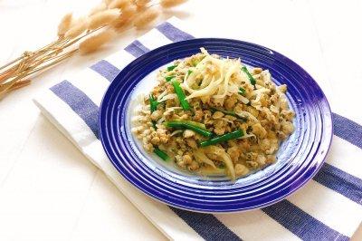 姜丝焖河蚬肉