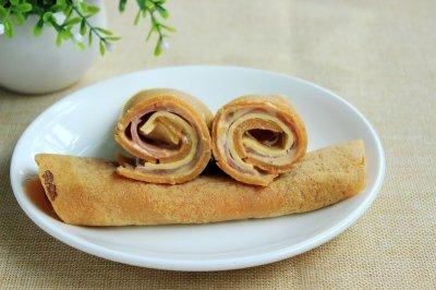 胡萝卜卷饼#百吉福芝士片创意早餐#