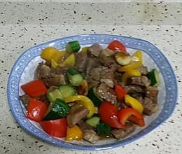 七彩蒜子黑椒雪花牛肉粒的做法