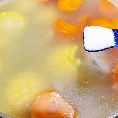 清淡不油腻——玉米胡萝卜薏仁猪展汤的做法 步骤12