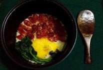 广式腊肠煲仔饭(超美味,电饭锅版)的做法