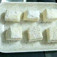 椰蓉牛奶糕
