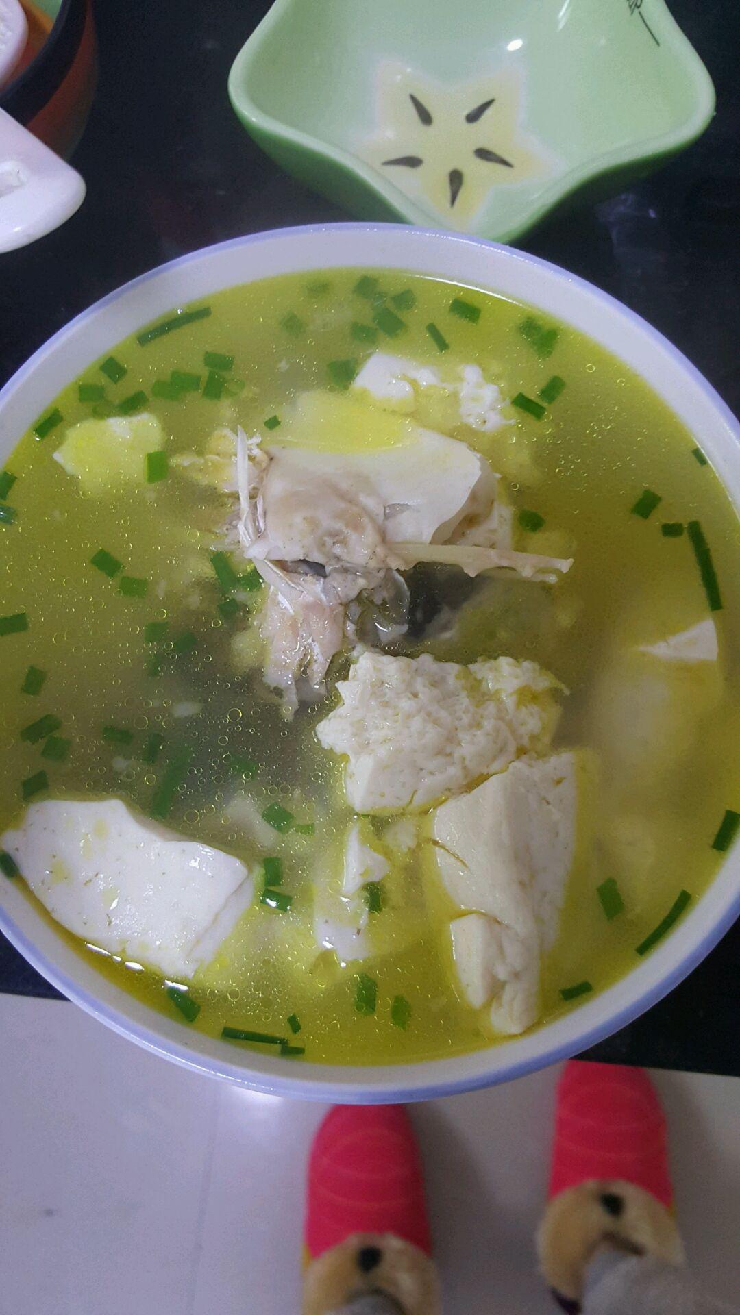 怎么样做鱼头豆腐汤_鱼头豆腐汤的做法_【图解】鱼头豆腐汤怎么做如何做