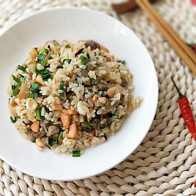咸香黄油三文鱼炒饭