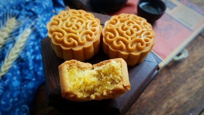 金沙奶黄肉松月饼#晒出你的团圆大餐#