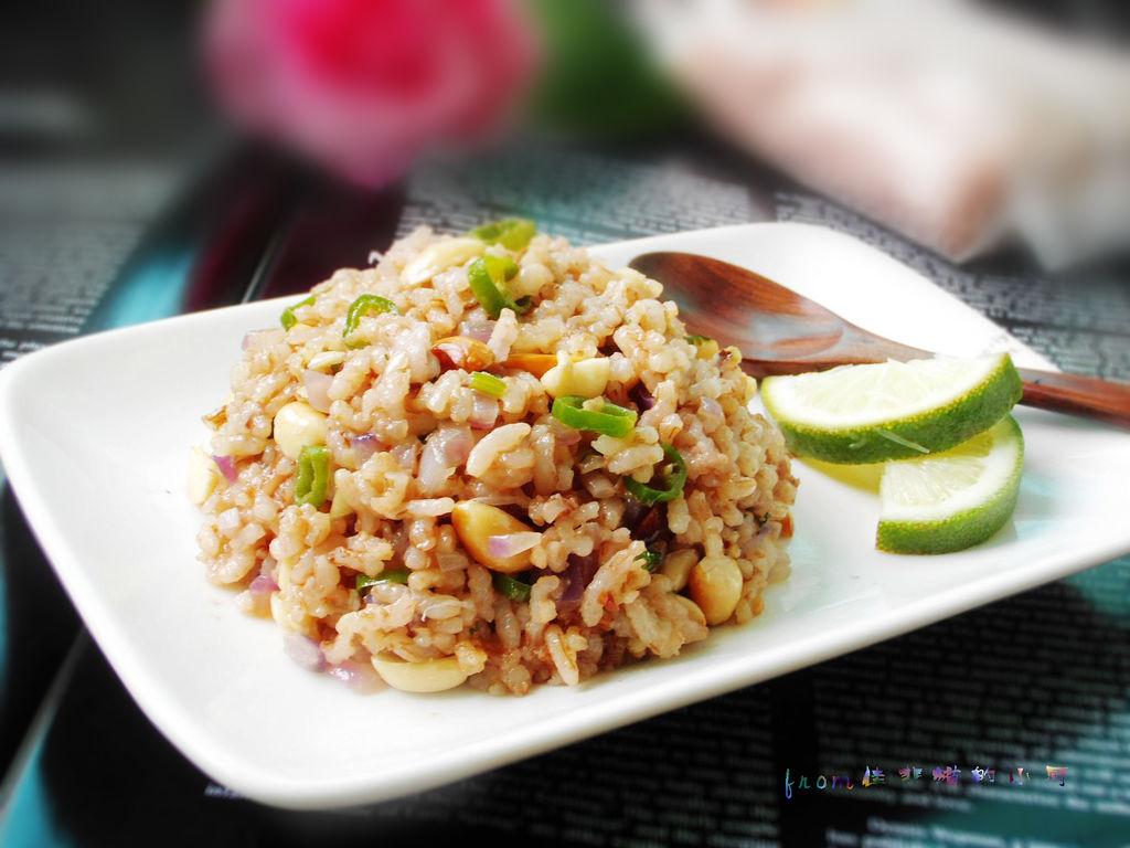 一些的米饭~~拍几张照片后一转身图片