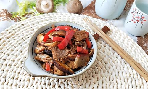 香菇炒肉(回锅肉版,爆香)的做法