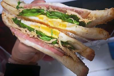 肉霸三明治