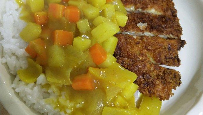 咖喱洋葱虾排饭