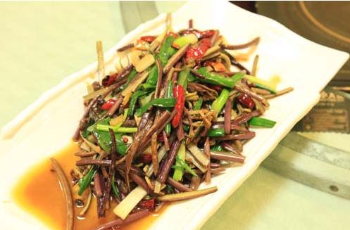 肉末炒蕨菜的做法