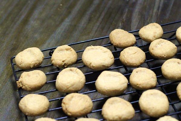无糖素食花生酱小饼干的做法