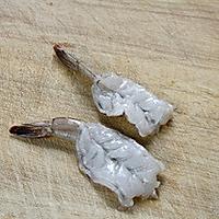 软炸凤尾虾的做法图解2