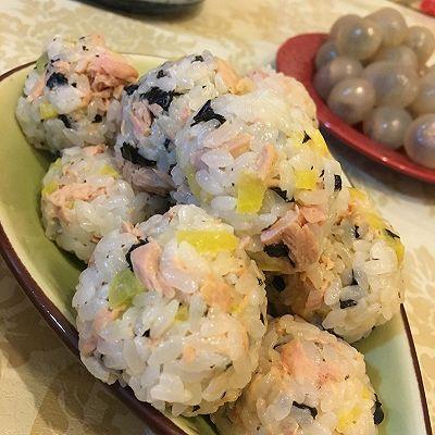 金枪鱼小饭团