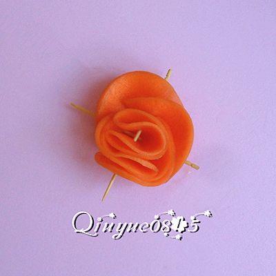 胡萝卜玫瑰花的做法_【图解】胡萝卜玫瑰花怎么做