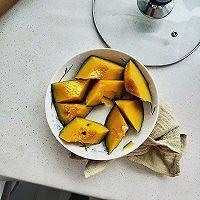 20汤锅:小米稀饭玉米面熟豆面鸡蛋煮肘子的做法图解1