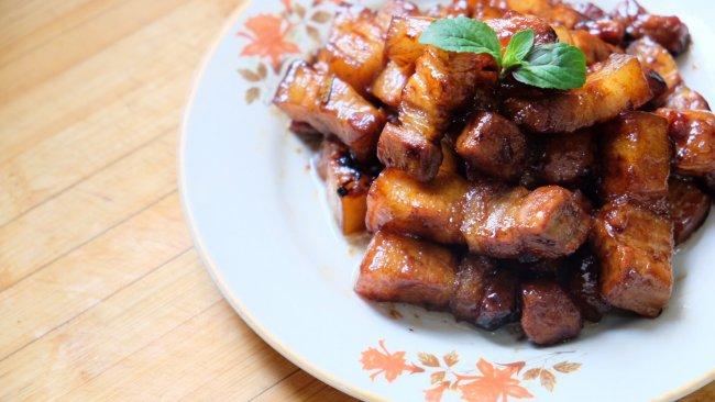 #就是红烧吃不腻!#不加一滴油的家庭版红烧肉的做法