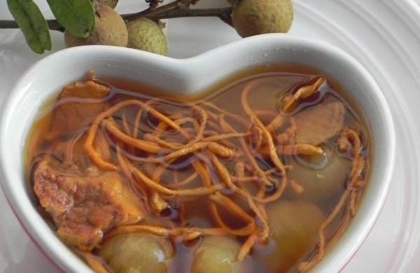 虫草花龙眼炖瘦肉汤