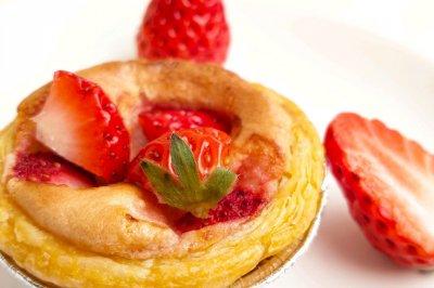 消耗多余的淡奶油-草莓奶挞