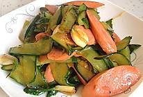 黄瓜片炒火腿肠~清新到极致的做法
