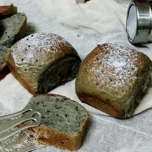 黑芝麻糊软面包的做法