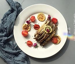 香煎柠香多春鱼的做法