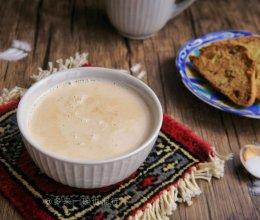 新疆咸奶茶(附巴旦木脆饼)的做法