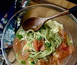 【减肥解酒】西红柿鸡蛋菠菜面的做法