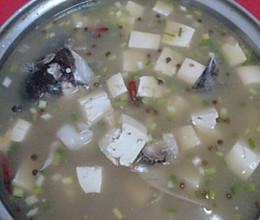 胖头鱼炖豆腐的做法