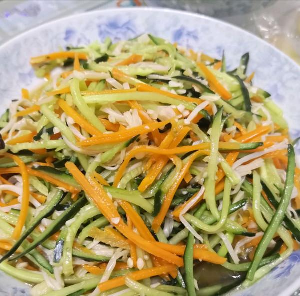 快手减脂凉拌菜~黄瓜凉拌金针菇的做法