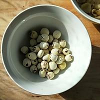 红豆莲子百合汤的做法图解2