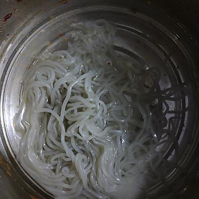 金针菇粉条(减肥晚餐)的做法 步骤1