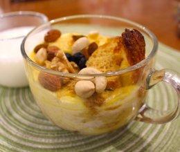 外酥内软:土司蛋奶布丁的做法