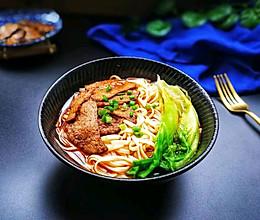 麻辣卤汤牛肉面的做法