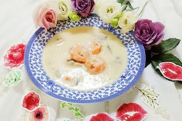 虾仁蘑菇奶油浓汤的做法