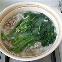 菜心瘦肉汤粉(用干河粉制作的)