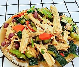 凉拍黄瓜拌腐竹的做法