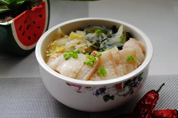 大喜大牛肉粉试用之东北酸菜炖白肉的做法