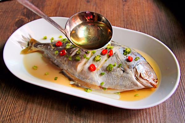 #年年有余#v菜谱雪菜谱的美食_做法_豆果猪肉笨鲳鱼做好吃图片