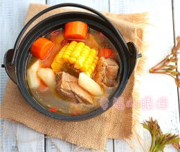 四小时煲出的一锅好汤:[番茄玉米猪骨汤]的做法