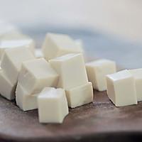 白菜虾皮豆腐煲的做法图解3