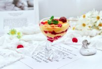 #轻饮蔓生活#蔓越莓黑巧芒果酸奶杯的做法