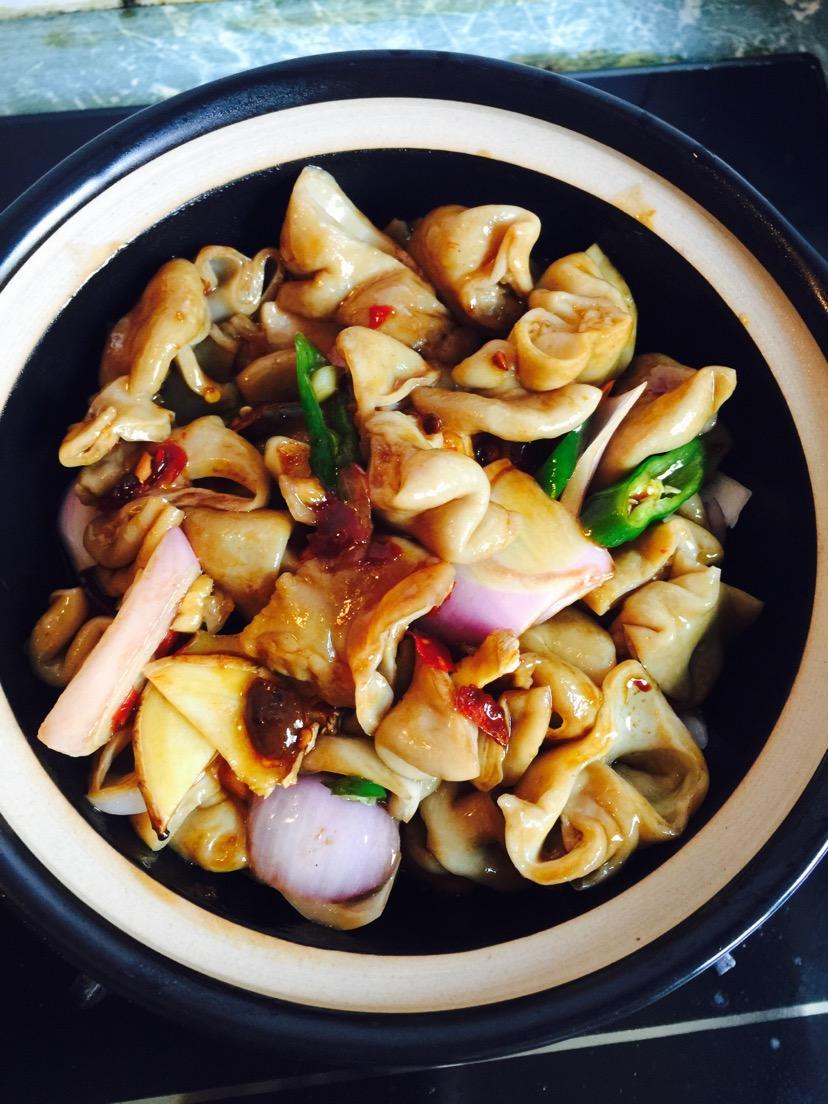 砂锅肥肠的做法步骤