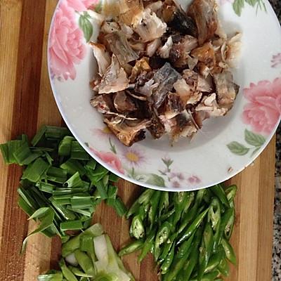 蒜苗酸炒手腌菜撕菜谱的传统-腊鱼-豆果技艺移老做法腊肉v蒜苗美食图片